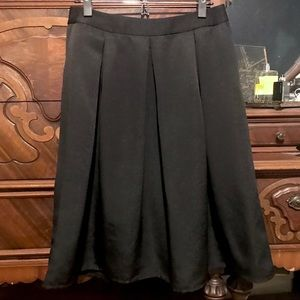 Express NWT Full, lined skirt with pockets